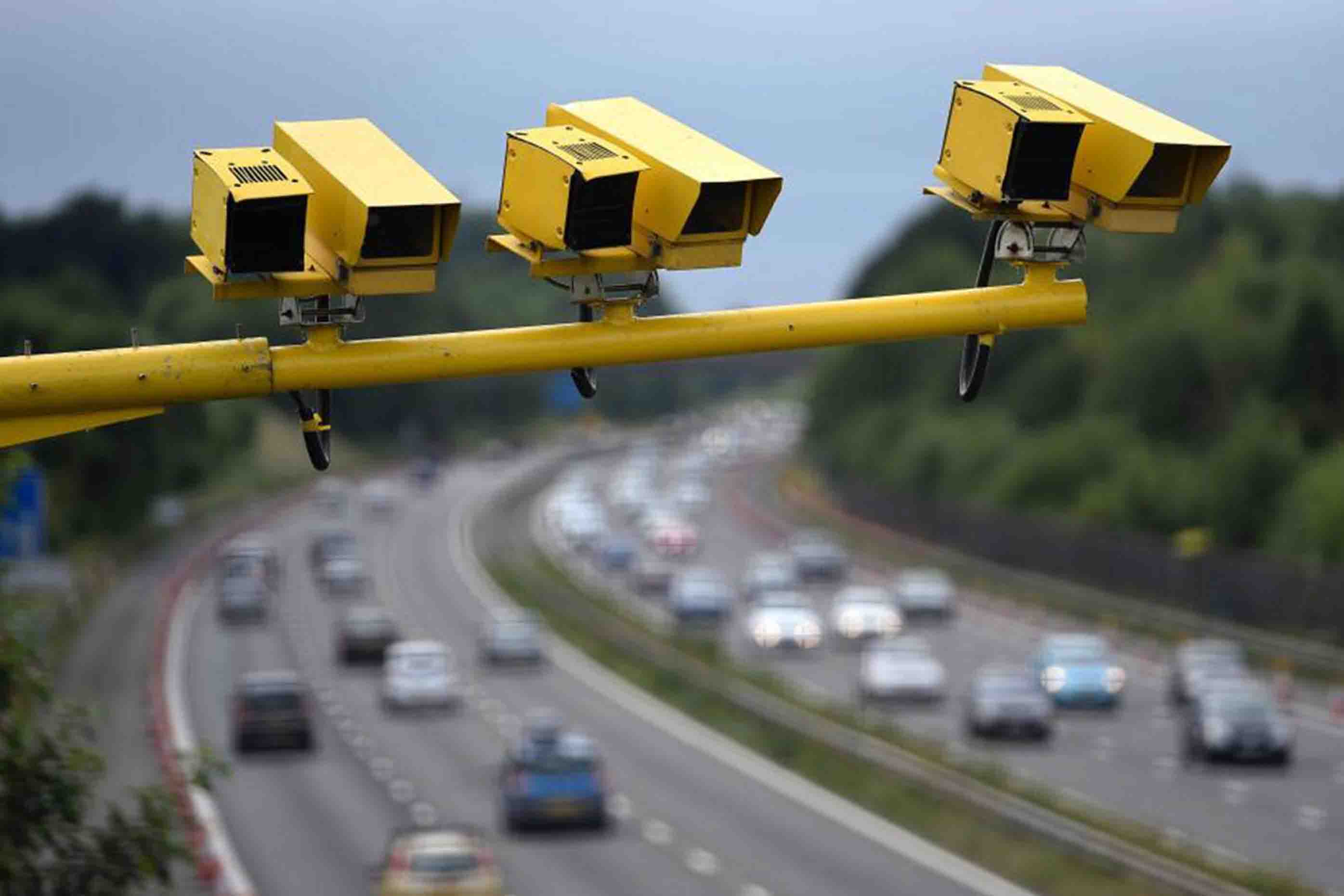 average speed check yellow cameras motorway