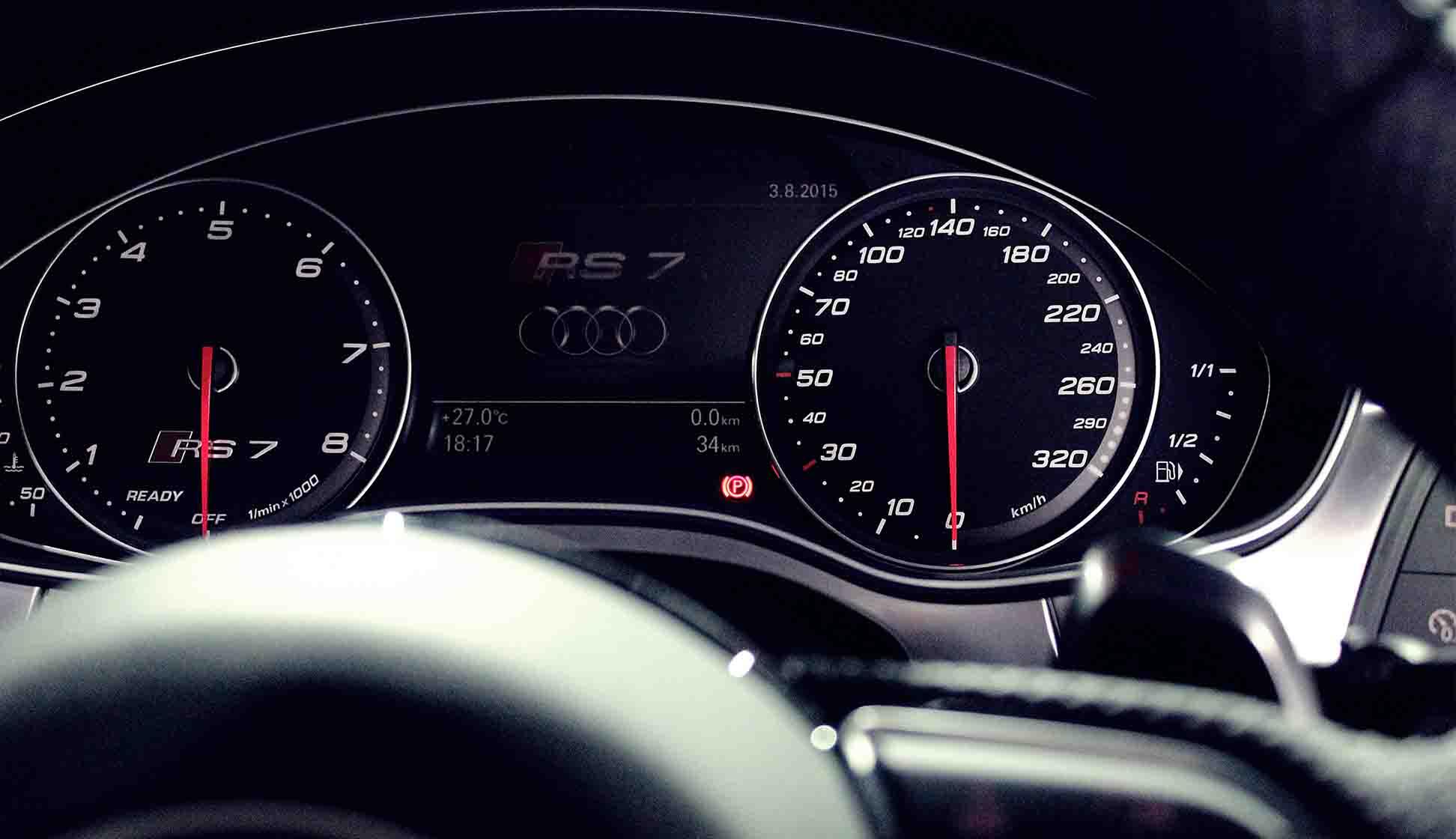 Audi RS7 Speedometer Close Up Speed Limiter